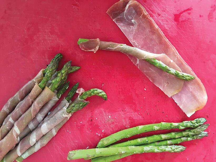 Holiday Party Apps: Grilled Prosciutto Wrapped Asparagus